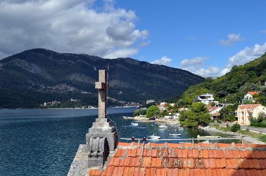 новости черногория туристы